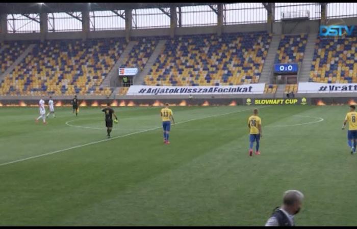 Embedded thumbnail for A DAC egyelőre néhány száz néző előtt játszik újra mérkőzéseket