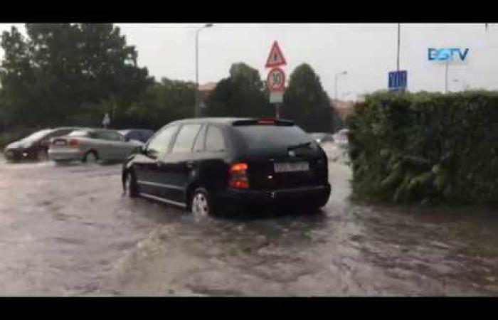 Embedded thumbnail for A Dunaszerdahelyre zúduló özönvíz testközelből