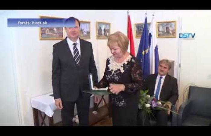 Embedded thumbnail for Rangos magyar állami kitüntetés Jarábik Gabriellának