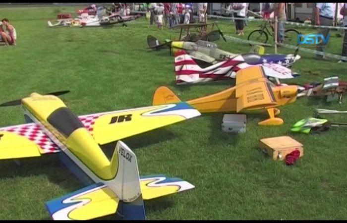 Embedded thumbnail for Repülőmodellek uralták a sikabonyi eget