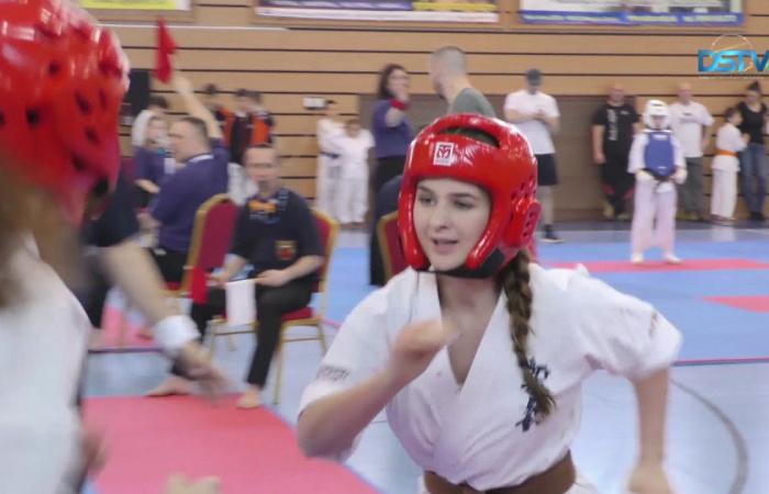 Embedded thumbnail for A házigazda klub sikeresen szerepelt a karateversenyen