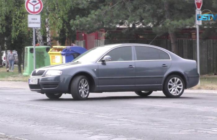 Embedded thumbnail for Előkészítés alatt a kilencedik dunaszerdahelyi körforgalom építése