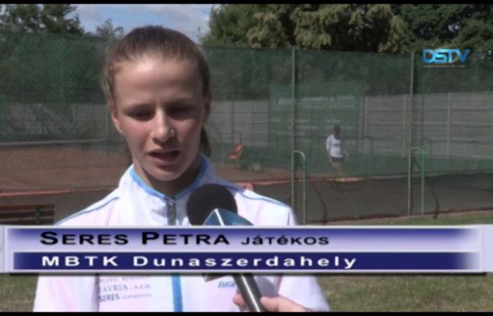Embedded thumbnail for Negyedik helyen végzett az újonc női teniszcsapat