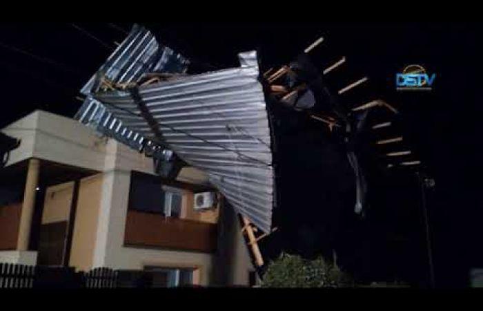 Embedded thumbnail for Háztetők, villanyvezetékek és fák látták a vihar kárát