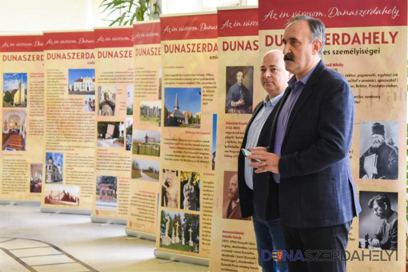 Mobil helytörténeti kiállítás a dunaszerdahelyi iskolákban