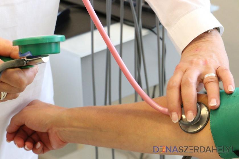 Kórházi osztályokat zárhat be a nővérhiány