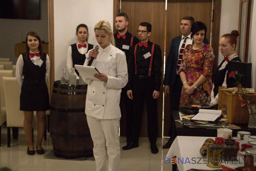 Retró est – hotelakadémiások gyakorlati érettségi vizsgája