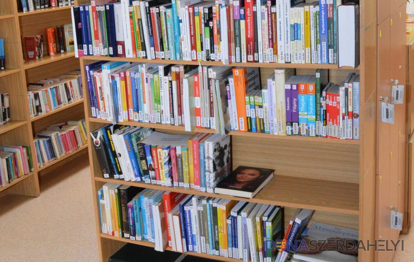 Újabb könyvtárzár