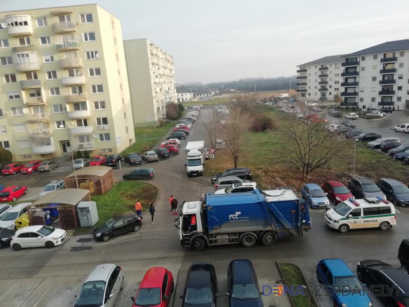 Néhányan helytelen parkolással akadályozzák a hulladék elszállítását