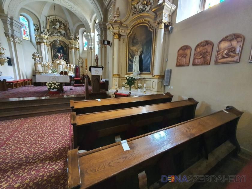 Mától megnyílnak a templomok