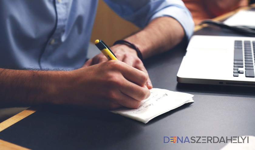 A Dunaszerdahelyről indult Pályázzatok workshop novemberben is online térben folyik