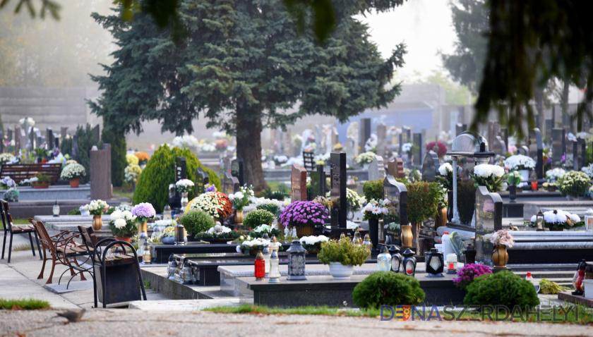 Ma később zárják a temetőket – tovább lesz ott közvilágítás is