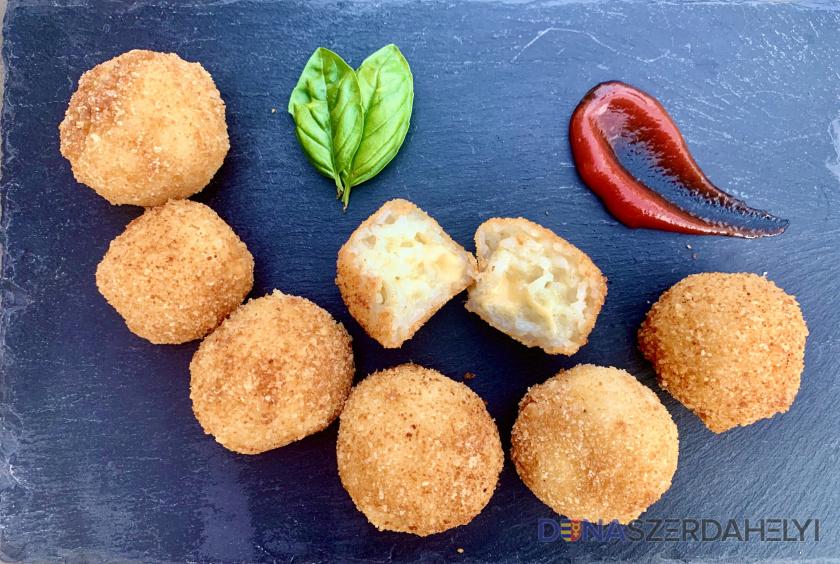 Arancini, avagy sajtos rizsgolyó roppanós kéregben