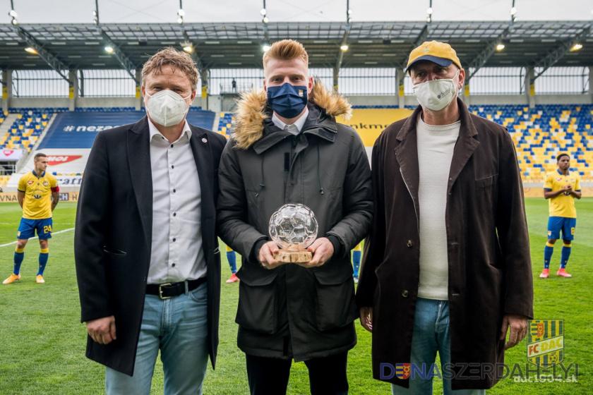 Díjátadó: Kalmár Zsolt, a Fortuna Liga legjobbja