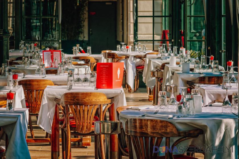 Április 26-tól megnyílnak az éttermek és kávézók teraszai