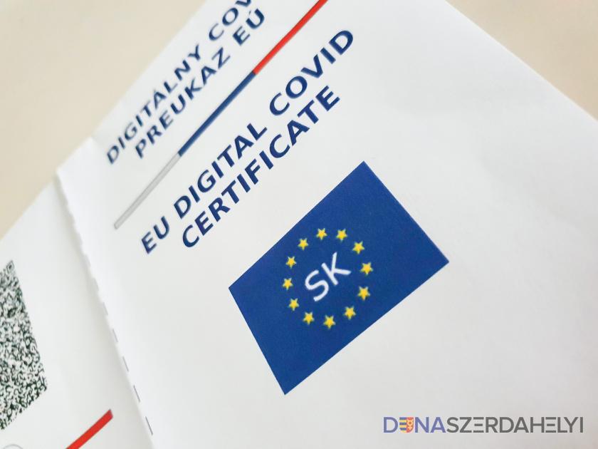 A Covid-igazolványokról fogadott el törvényt a parlament