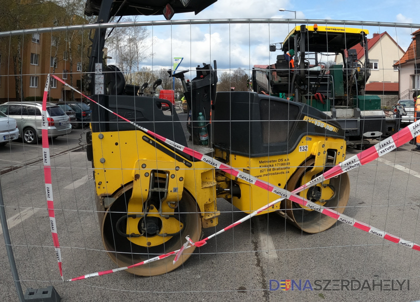 Figyelem! Megkezdődik a Karcsai út felújítása