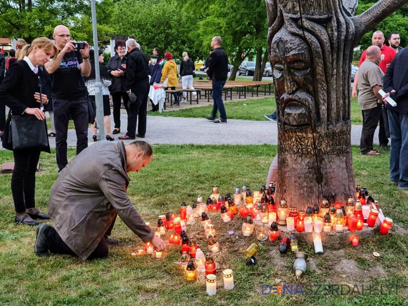 Ma van a Nemzeti Összetartozás Napja – csendes gyertyagyújtással emlékeznek Dunaszerdahelyen