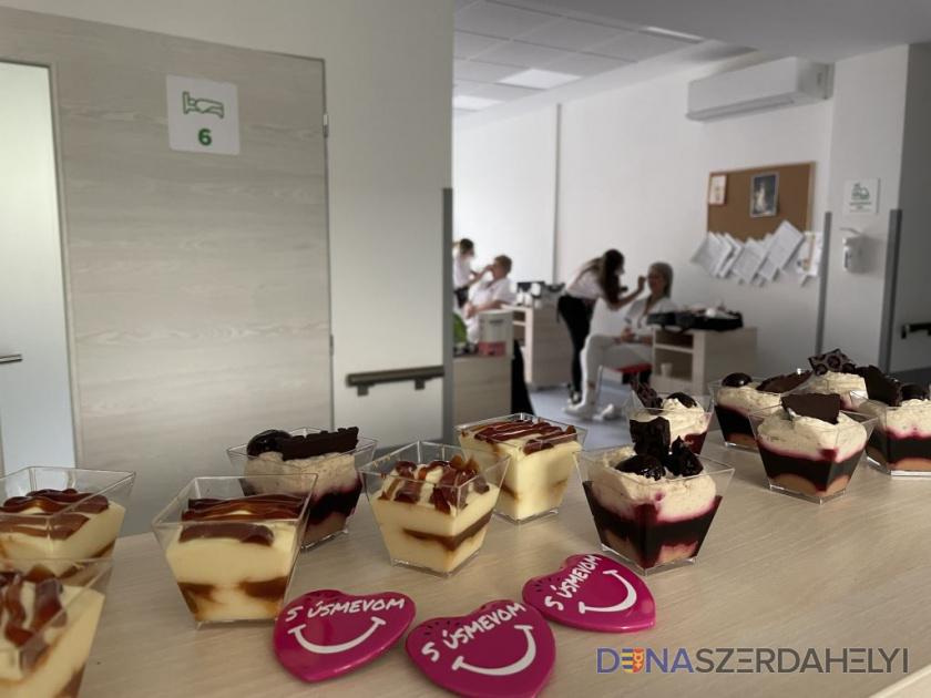 Az ápolókat köszöntötték a dunaszerdahelyi kórházban