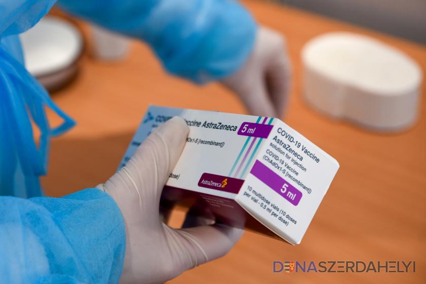 Az AstraZeneca helyett Pfizer/BioNTechhel fognak már oltani Szlovákiában