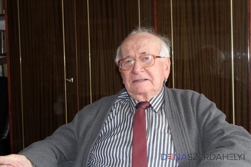 Mács József Online Vers- és Prózamondó Verseny