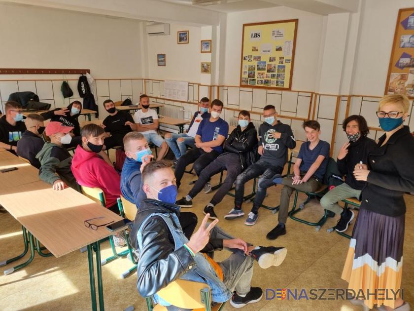 Lelki bántalmazás és konfliktusoldás az iskolában