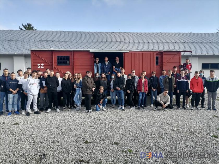 Rákóczis diákok emlékeztek a holokausztra