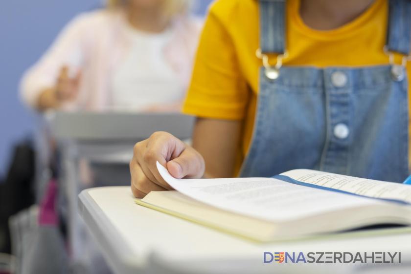A diákok 0,2, a tanárok fél százaléka fertőzött