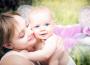 Megszavazva: Januártól magasabb lesz a gyermekgondozási segély