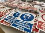 Koronavírussal kapcsolatos kétnyelvű matricák ingyenesen a PRO CIVIS jóvoltából